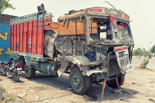 Damaged truck, Sirhind